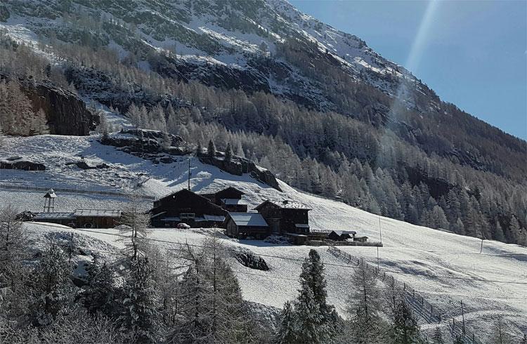 """Marchegghof Kurzras, """"Das finstere Tal"""" Drehort, Schnalstal, Südtirol © Instagram: sab.b.y"""