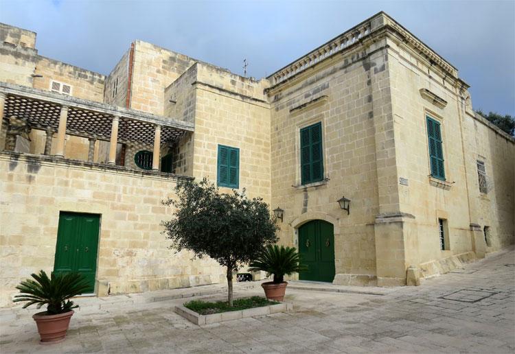 """Kleinfingers Bordell"", Pjazza Mesquita, Mdina, Malta © Andrea David"