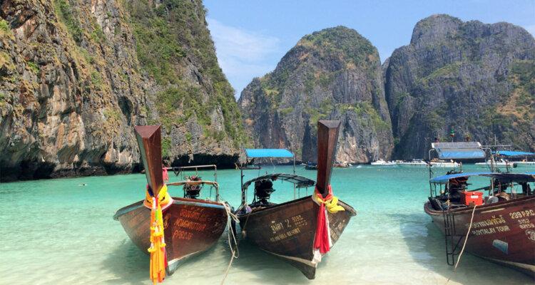 Maya Bay, Phi Phi Leh, Thailand © Andrea David