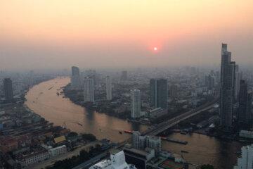 Blick auf den Chao Phraya, Skybar, Lebua at State Tower, Bangkok, Thailand © Andrea David