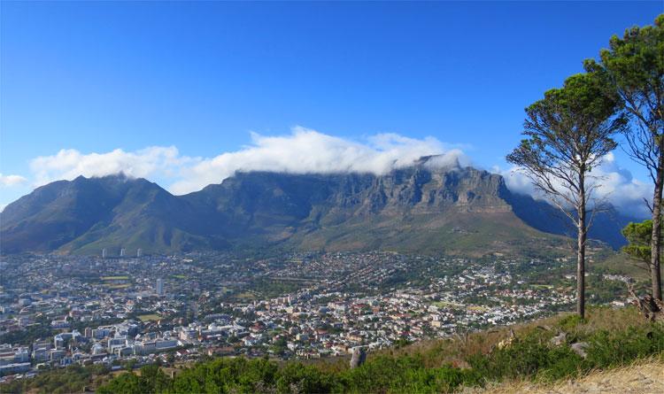 Blick vom Signal Hill auf den Tafelberg, Kapstadt © Andrea David