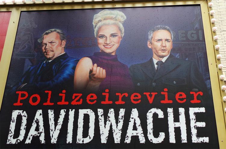 """""""Polizeirevier Davidwache"""" im Imperial Theater, Reeperbahn, Hamburg © Andrea David"""