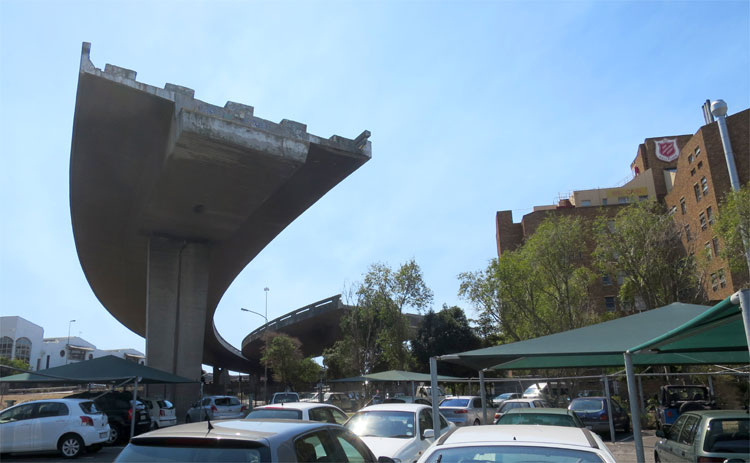 Eastern Boulevard Highway, Kapstadt, Südafrika © Andrea David