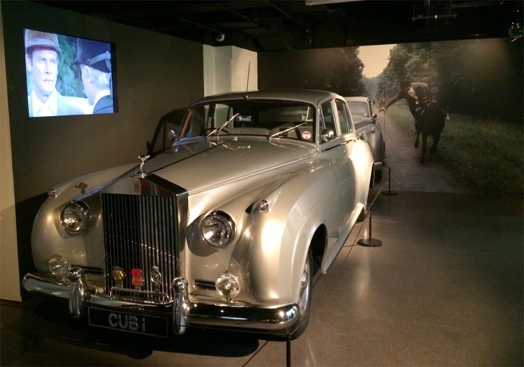 "Rolly Royce Silver Cloud II aus ""Im Angesicht des Todes"", Bond in Motion, London Film Museum © Andrea David"