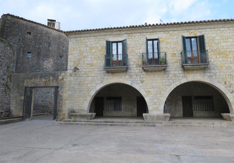 Plaça dels Jurats, Girona © Andrea David