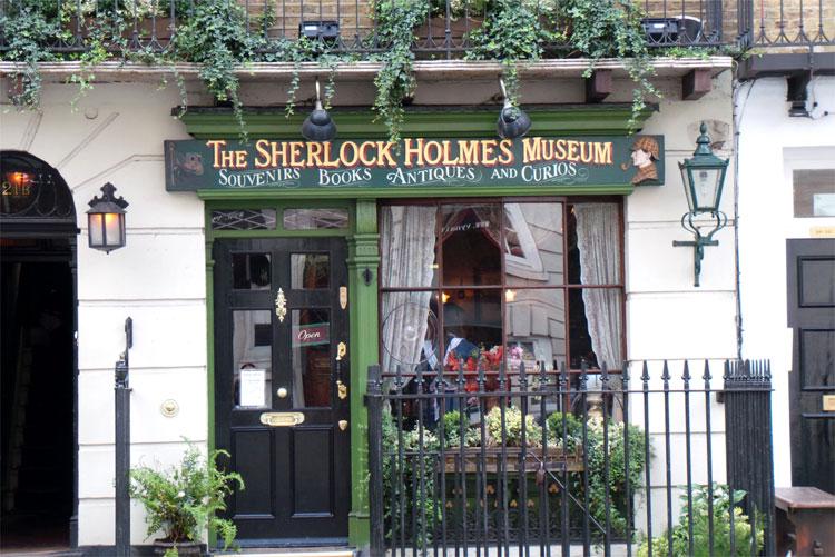Sherlock Holmes Museum, Baker Street 221b, London © Andrea David