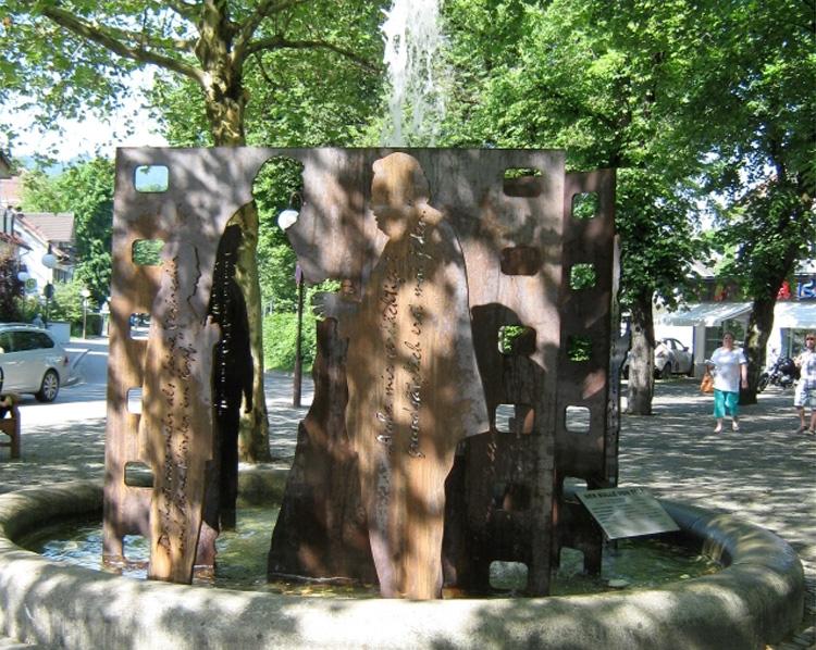 Bullen-Brunnen am Max-Höfler-Platz, Bad Tölz
