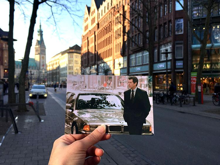"""Filmszene aus """"Der Morgen stirbt nie"""", Mönckebergstraße, Hamburg"""