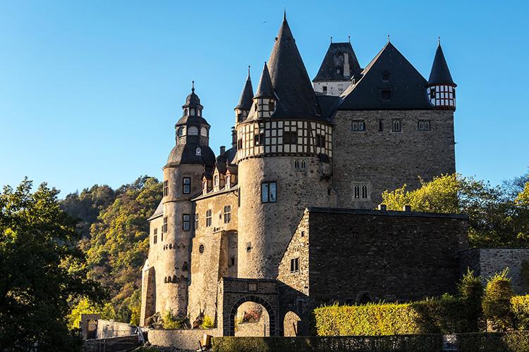 """Drehort aus """"Indiana Jones und der letzte Kreuzzug"""", Schloss Bürresheim, Eifel"""