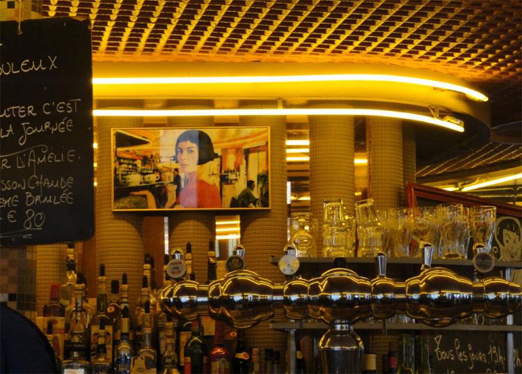 Café Deux Moulins, Montmartre, Paris © Andrea David