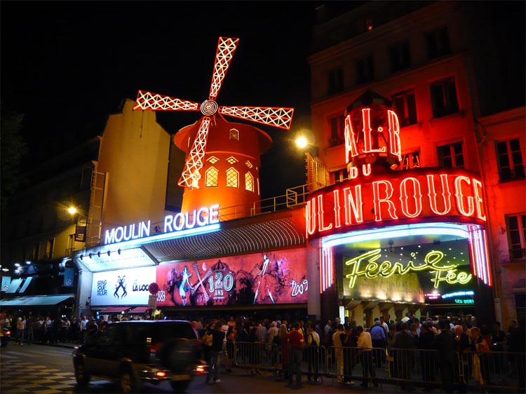 Moulin Rouge, Montmartre, Paris © Andrea David