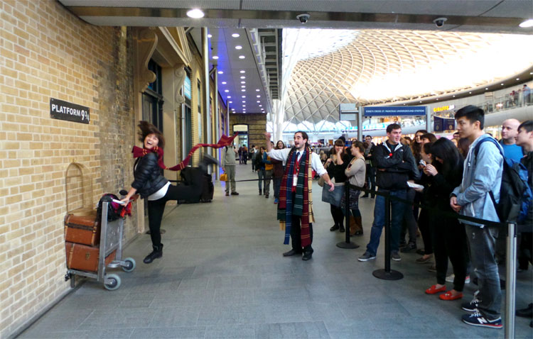 Fotopunkt Gleis 9 3/4, King´s Cross Station, London © Andrea David