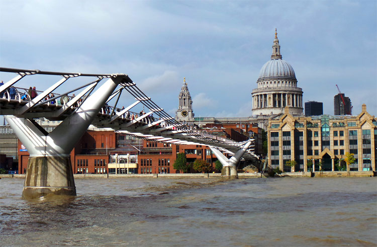 Millennium Bridge, London © Andrea David