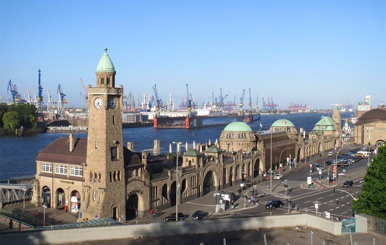 St.Pauli-Landungsbrücken, Hamburg © Andrea David