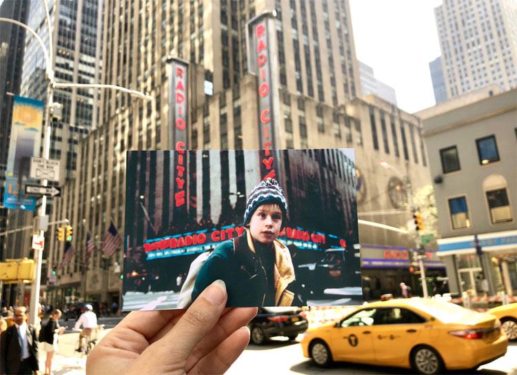 """Szene aus """"Kevin - Allein in New York"""" an der Radio City Music Hall, New York"""