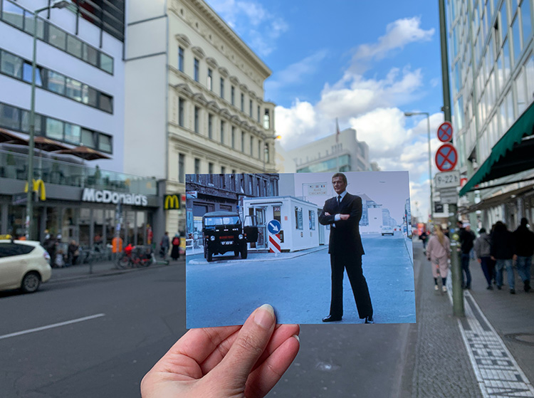"""""""Octopussy""""-Drehort Checkpoint Charlie, Berlin"""
