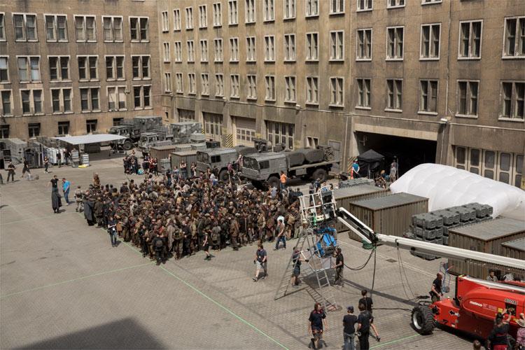 Dreharbeiten am ehemaligen Flughafen Tempelhof, Berlin © Studiocanal