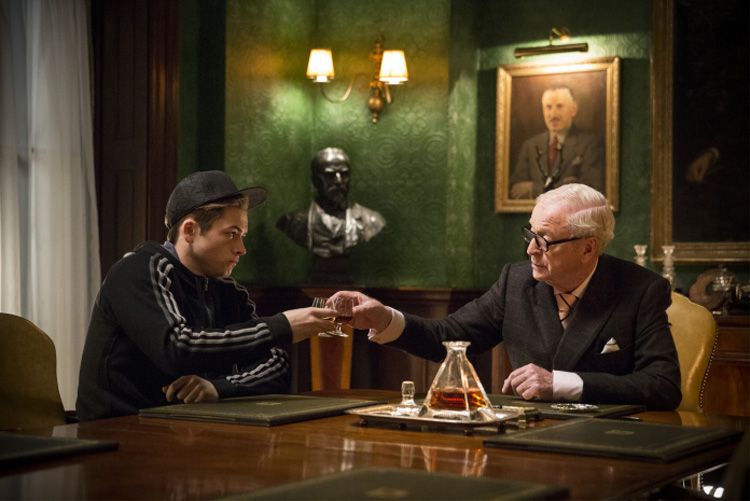 Arthur (Michael Caine) und Schützling Eggsy (Taron Egerton) © Twentieth Century Fox
