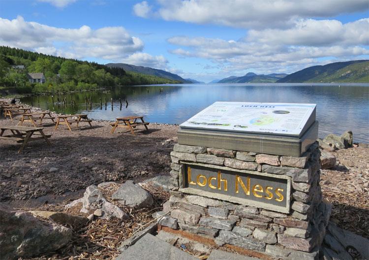 Loch Ness, Schottland © Andrea David