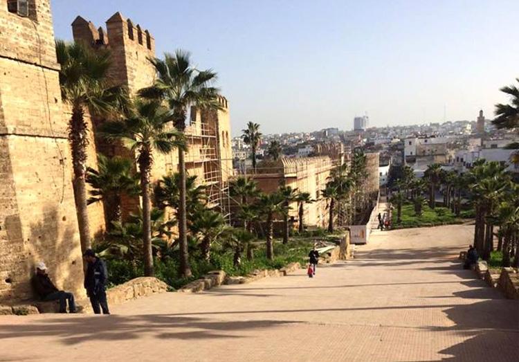 Treppe vor der Kasbah Oudaya in Rabat, Marokko © Hendrik Kramer