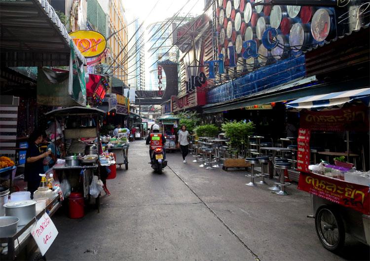 Tilac Bar, Soi Cowboy, Bangkok, Thailand © Andrea David