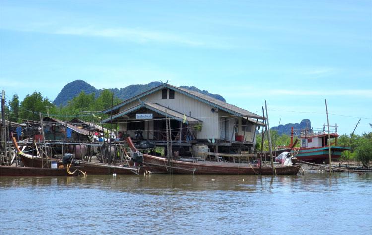 Schule in Ban Ba Kan, Krabi, Thailand © Andrea David