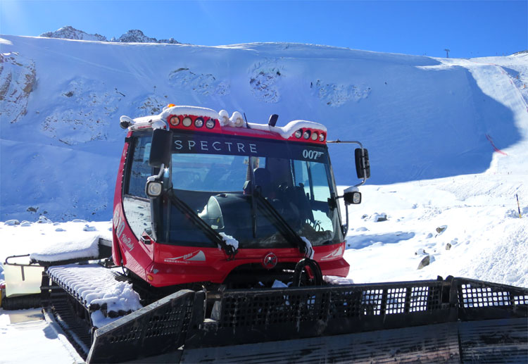 Spectre-Pistenbully am Rettenbachgletscher © Andrea David