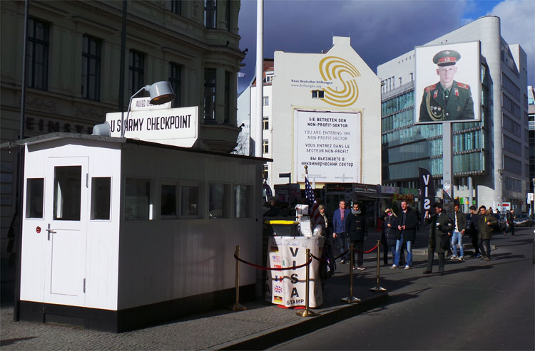 Checkpoint Charlie, Berlin © Andrea David