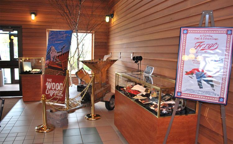 """Fargo""-Requisiten © Fargo-Moorhead Convention & Visitors Bureau"