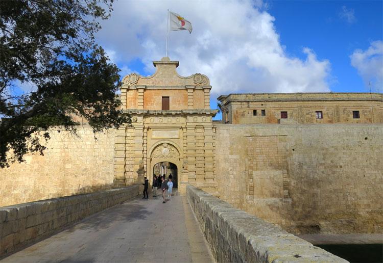 """Drehort """"Königsmund"""", Mdina Gate, Malta © Andrea David"""