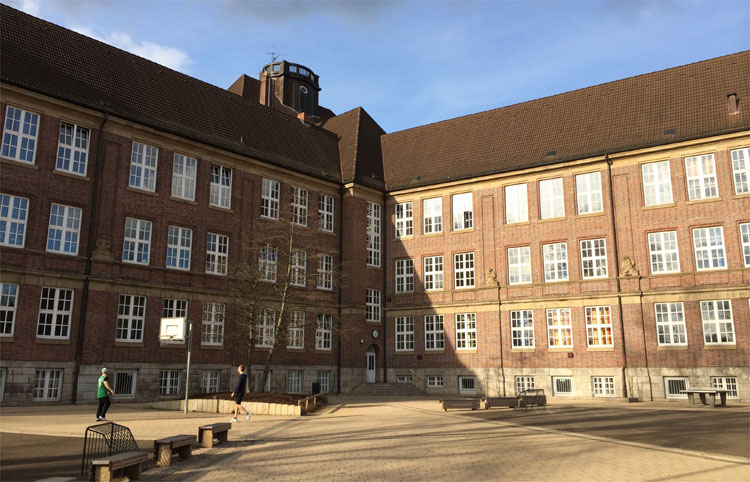 Gymnasium Kaiser-Friedrich-Ufer, Hamburg © Andrea David