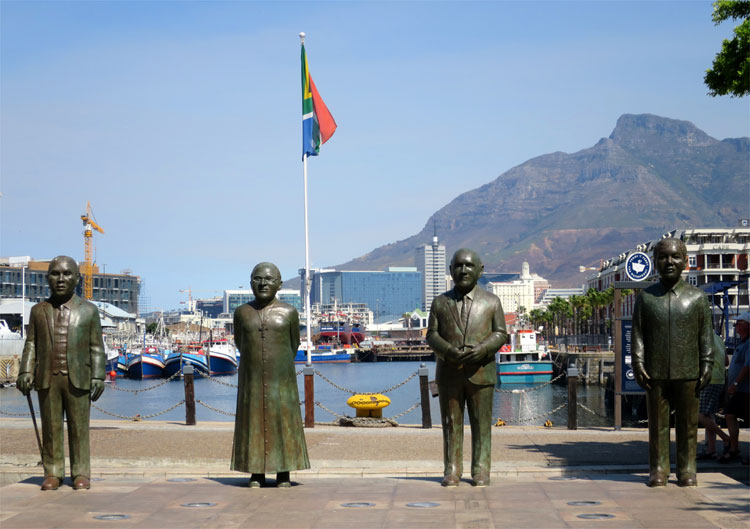 Nobel Square, Victoria & Alfred Waterfront, Kapstadt, Südafrika © Andrea David