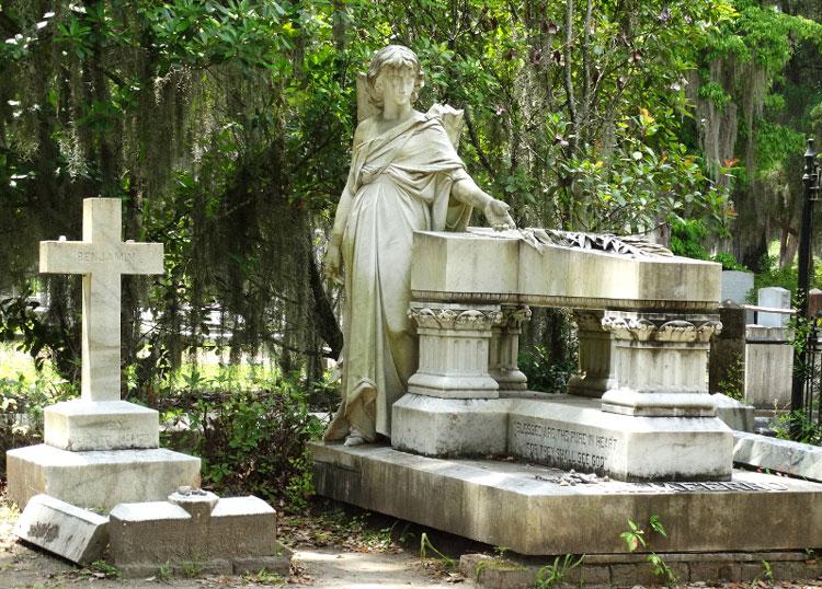 """Drehort aus """"Mitternacht im Garten von Gut und Böse"""", Bonaventure Cemetery, Savannah, Georgia © Mandy Decker / Travelroads"""