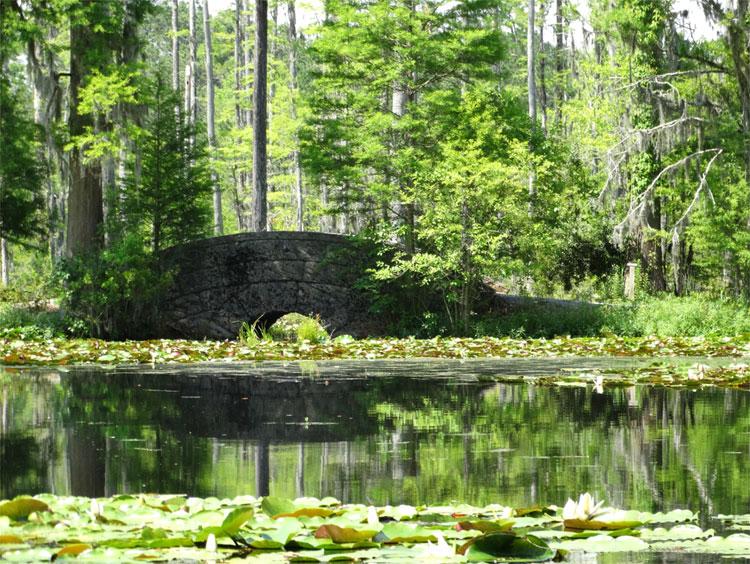"Brücke aus ""Der Patriot"", Cypress Gardens, South Carolina © Mandy Decker / Travelroads"