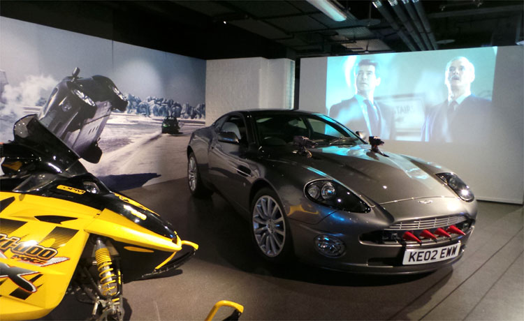 "Aston Martin Vanquish aus ""Stirb an einem anderen Tag"", Bond in Motion, London Film Museum © Andrea David"