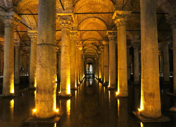 Drehort Cisterna Basilica in Istanbul © Andrea David