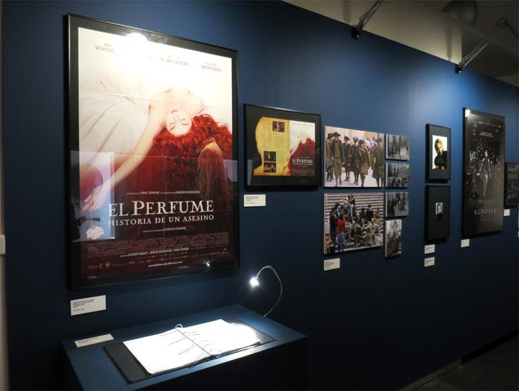 """""""Das Parfum"""", Ausstellung """"Girona Plató"""" © Andrea David"""