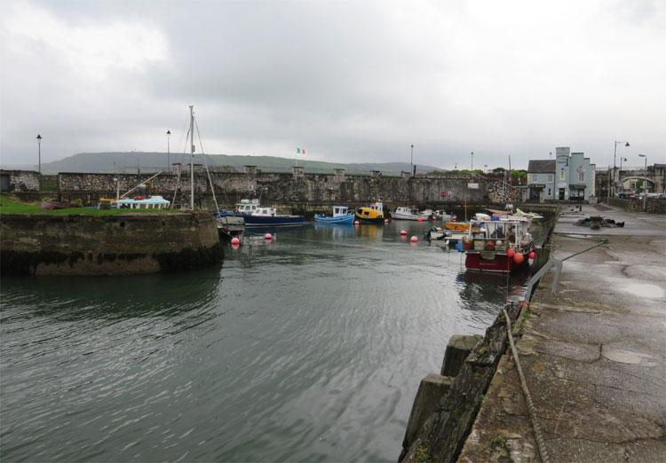 Der Hafen von Carnlough, Nordirland © Andrea David