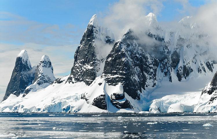 Bergwelt in der Antarktis