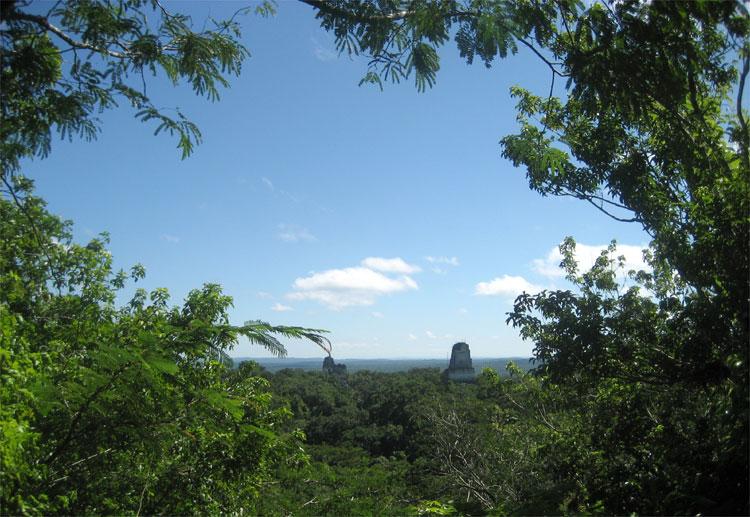 """""""Mond Yavin IV"""", Tikal, Guatemala © Valerie Nock"""
