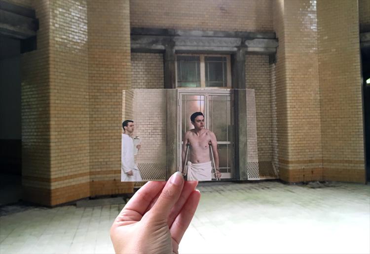 """Filmszene aus """"A Cure for Wellness"""", Badehaus des Männersanatoriums, Beelitz-Heilstätten"""
