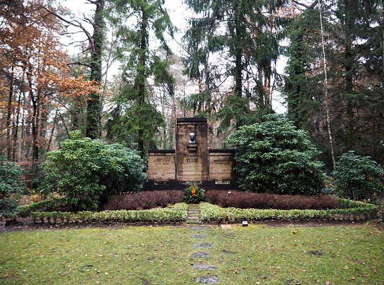 Grab von Regisseur Murnau, Südwestkirchhof Stahnsdorf, Brandenburg
