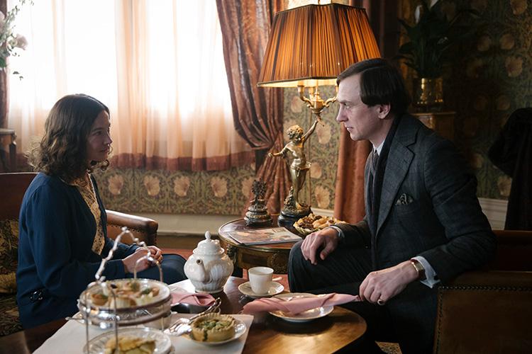 """Szene aus der dritten Staffel """"Babylon Berlin"""" in der Löwenvilla Potsdam"""