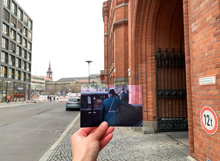 """Szene aus """"Babylon Berlin"""" am Roten Rathaus, Berlin"""