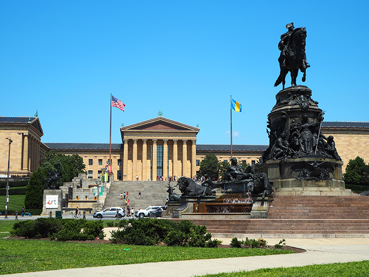 Washington Monument vor dem Philadelphia Museum of Art