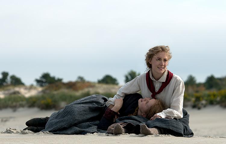 """Szene aus """"Little Women"""" am Crane Beach"""