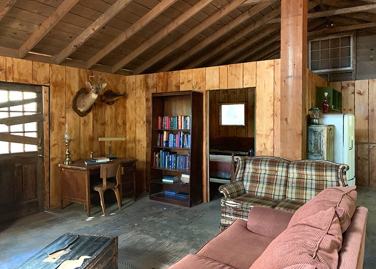 Escape Room Hopper's Cabin, Powder Springs, Georgia
