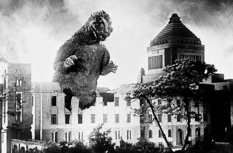 "Filmszene aus ""Godzilla"" (1954) in Tokio"
