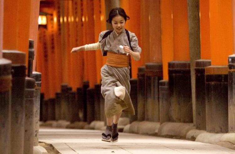 """Filmszene aus """"Die Geisha"""" am Fushimi Inari Schrein, Kyoto, Japan"""