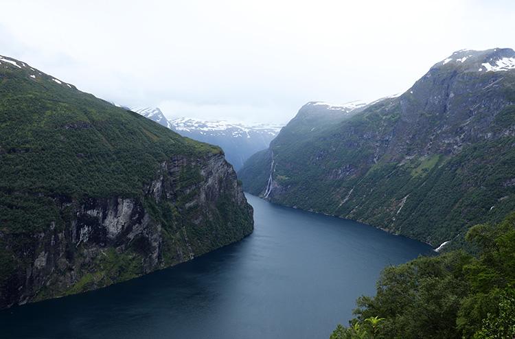 Geirangerfjord vom Aussichtspunkt Ørnesvingen, Norwegen